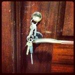 Fachowe odblokowanie drzwi mieszkania – sprawdź więcej